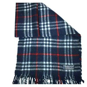 Burberry Vintage 100% Lambswool Scarf Blue